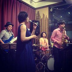 プチ Finky Night at clipper on 7th May #gig #bar #blue #chiba #concert #jazz #funk #pops #JAPAN #jazz #japanise #jazzvocal #jazzsinger #band #bass #drum #funk #kazumi #live #music #musician #pops #sax #sing #singer #vocal #vocalist #ジャズボーカル #ジャズシンガー #ベース #サックス  #ドラム #ボーカル