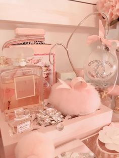 Low Budget Home Decoration Ideas Referral: 7053273550 Peach Aesthetic, Bad Girl Aesthetic, Aesthetic Pastel Pink, Bedroom Wall Collage, Photo Wall Collage, Mode Rose, Deco Rose, Princess Aesthetic, Pink Photo