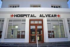 Este lunes se inauguran los nuevos consultorios externos del Hospital Alvear http://www.ambitosur.com.ar/este-lunes-se-inauguran-los-nuevos-consultorios-externos-del-hospital-alvear/ Corresponde a la primera etapa de la ampliación el nosocomio. Estos permiten la instalación de siete consultorios de diferentes especialidades, ampliando la capacidad de atención médica que brinda la institución, permite además el inicio de los trabajos en otros sectores del edificio.    La