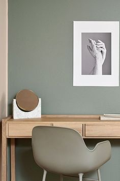Salon - paleta Hazy, kolekcja kolorów Tikkurila Color Now 2017 Office Wall Colors, Desk In Living Room, Pastel Interior, Interior Architecture, Interior Design, Green Rooms, Paint Colors For Home, Deco Design, Home Office Decor