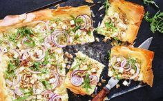Filodegspizza med vitost, valnötter och rosmarin