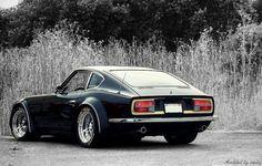 1976 (?) Datsun 280Z w/modified wheel-wells ~ *ahhhh, the memories of My 280Z in Santa Cruz & Sacto !!! (You too Mike F.)...M
