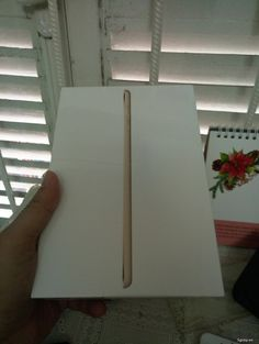Ipad mini 3 gold wifi 64gb nguyên seal chưa active.