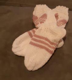 Tilkkutäti: Adidas-villasukat lapselle (koko 36) Dinosaur Stuffed Animal, Gloves, Adidas, Knitting, Tricot, Breien, Stricken, Weaving, Knits