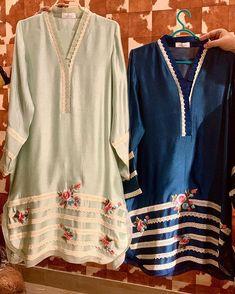 Fancy Dress Design, Stylish Dress Designs, Stylish Dresses For Girls, Kurti Sleeves Design, Sleeves Designs For Dresses, Kurta Neck Design, Pakistani Fashion Casual, Pakistani Dresses Casual, Pakistani Dress Design