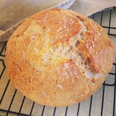 A wholesome no-knead bread with oaty goodness.