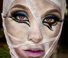 Cute Halloween Makeup, Pirate Halloween Costumes, Couple Halloween Costumes For Adults, Halloween Inspo, Halloween Cosplay, Mummy Costumes, Woman Costumes, Couple Costumes, Group Costumes