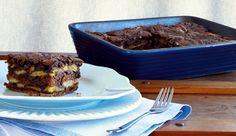 Torta morna de banana em camadas, com canela, castanhas-do-pará e Chocolate em pó DOIS FRADES