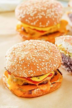 Homemade burgers are the best! Find out how to make a McDonald's Quarter Pounder at home with this easy copycat recipe. Get the secret to the special onions on this tasty hamburger. No need to go to the restaurant when you can make the best Quarter Pounder with cheese in less than 30 minutes. #mcdonalds #burgers #beefrecipes #copycat #copycatrecipe Mcdonalds Recipes, Burger Recipes, Beef Recipes, Best Easy Dinner Recipes, Quick Easy Meals, Dehydrated Onions, Burger Places, Copykat Recipes