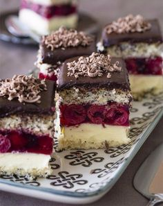 New baking desserts chocolate honey 67 ideas No Bake Chocolate Desserts, Cookie Desserts, Sweet Desserts, No Bake Desserts, Sweet Recipes, Baking Desserts, Chocolate Ganache, Chocolate Covered, Healthy Dessert Recipes