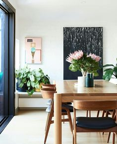 Jo Twaddell, Toby McIntyre + Family - The Design Files Dining Room Design, Dining Room Table, Dining Chairs, Dining Rooms, Room Chairs, Dining Sets, Office Chairs, Wood Table, Mid Century Dining