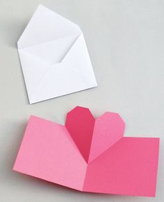 Hello everyone. I've been making these expandable/collapsible geometric heart cards – great for love letters! It's a really simple project… Valentine Love, Valentine Day Crafts, Tarjetas Diy, Fete Halloween, Geometric Heart, Heart Cards, Heart Pop Up Card, Pop Up Cards, Diy Cards