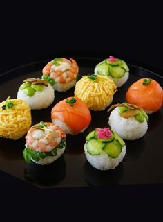手まり寿司 Temarizushi, round sushi. These are beautiful ad very nicely made.