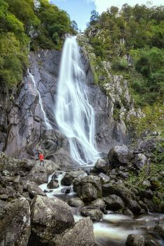 Fancy seeing one of the most beautiful waterfalls in Great Britain? Then check out my definitive guide to visiting Aber Falls in Wales. Cornwall England, Yorkshire England, Yorkshire Dales, Oxford England, London England, Skye Scotland, Highlands Scotland, Snowdonia, Travel Humor