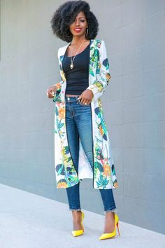 Super easy kimono sleeve dress - Patterns and Work Black Women Fashion, Look Fashion, Fashion Outfits, Womens Fashion, Jeans Fashion, Daily Fashion, Traje Casual, Mode Kimono, Casual Outfits