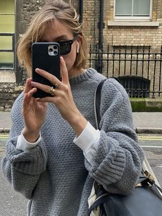 Practical and stylish tips for layering clothes in every season of the year, plus the shopping to do it with. Mode Outfits, Casual Outfits, Fashion Outfits, Womens Fashion, Layering Outfits, Layering Clothes, Estilo Hippie, My Hairstyle, Mode Streetwear