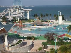 Wet'n Wild, Cancun's lone parque acuatico, houses some six slides, a lazy river, wave pool and a full bar.