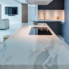 Choosing New Kitchen Countertops Kitchen Room Design, Luxury Kitchen Design, Luxury Kitchens, Home Decor Kitchen, Interior Design Kitchen, Cool Kitchens, Kitchen Ideas, Tuscan Kitchens, Kitchen Colors