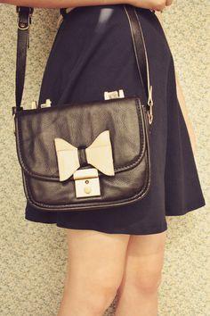 black-60s-style-oasap-bag