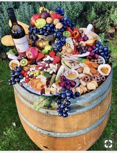 Craze sweeps social media for artistic cheese and charcuterie plates - More of a cornucopia than a cheese plate, this fofering from is packed full… - Party Trays, Party Platters, Snacks Für Party, Food Platters, Cheese Platters, Cheese Table, Party Appetizers, Antipasto, Charcuterie Plate