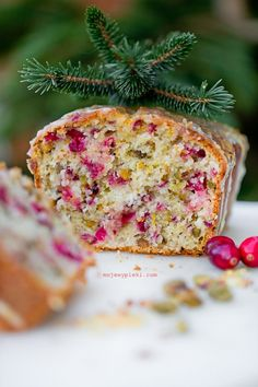 Orange cake with cranberry and pistachios Homemade Cakes, Cake Cookies, Fall Recipes, Deserts, Dessert Recipes, Food And Drink, Sweets, Bread, Cooking