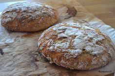 Ruokailmiö: Ohraleipä. Ja voita ja juustoa. Bread Recipes, Cooking Recipes, Savory Pastry, Bread Board, Bread Baking, Rolls, Food And Drink, Koti, Dreams