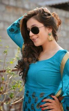 Vijay Actor, Indian Tv Actress, Indian Heritage, India Beauty, Indian Girls, Woman Crush, Beautiful Actresses, Bollywood Actress, Girl Pictures