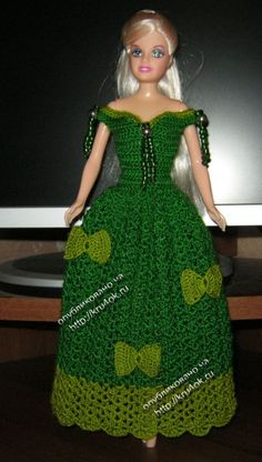 Miss Barbie is ready for the holidays in this green dress ♥LCD♥ with diagram