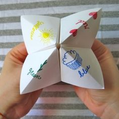 Fortune favors the crafty. I see a tutorial for a paper fortune teller in your future. maybe use at Halloween to tell fortunes? My Childhood Memories, Sweet Memories, Making Memories, Mise En Page Magazine, Hand Games, Fortune Favours, Paper Games, Notebook Paper, Oldies But Goodies