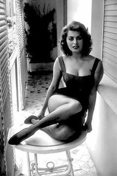 Sophia Loren... stunning