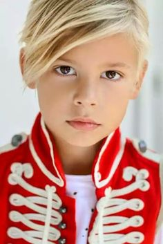 Young Cute Boys, Cute Teenage Boys, Boy Models, Child Models, Handsome Kids, Cute Blonde Boys, Kids Kiss, Ft Tumblr, Little Boy Haircuts