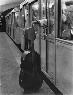 Atelier Robert Doisneau: from Musique - Maurice Baquet Robert Doisneau, Black N White, Black White Photos, Black And White Photography, Maurice Baquet, Vintage Photography, Street Photography, Cello Photography, Photography Tips