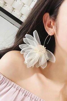 Gold Dot Stud earrings in Gold fill, gold circle earrings, gold dot earrings, gold earrings. Small Gold Hoop Earrings, Tiny Stud Earrings, Emerald Earrings, Circle Earrings, Diy Earrings, Flower Earrings, Statement Earrings, Silver Earrings, Helix Earrings