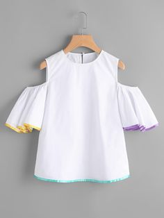 Tops on Sale Kids Outfits Girls, Teen Fashion Outfits, Fashion Dresses, Girls Dresses, Cute Outfits, Girls Blouse, Sweatshirt Dress, Elegant Outfit, Blouses For Women