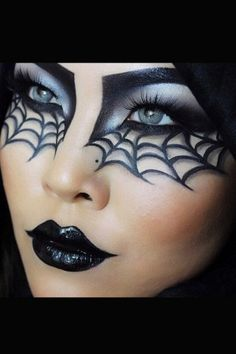 Make-up tips for Carnival: Here come the most creative looks - Halloween Make up, Schminke und Kostüme - Makeup Halloween Eye Makeup, Halloween Eyes, Halloween Makeup Looks, Halloween Party, Halloween Decorations, Halloween Room Decor, Halloween Baking, Halloween Masquerade, Halloween Quotes