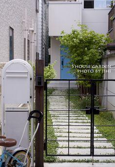 旗竿状敷地の庭_目黒の家一年後♪ | いいひブログ - いいひ住まいの設計舎