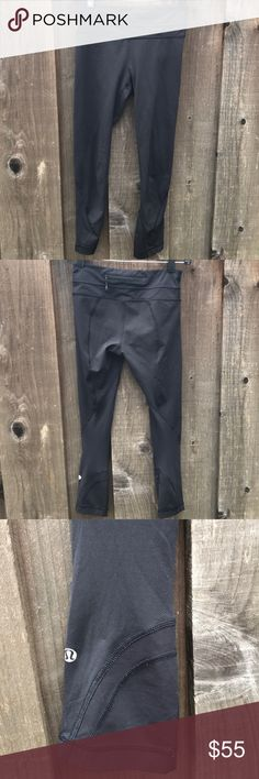 Lulu pants Perfect black pants for working out or running errands. Has a zipper pocket on the back. Size 2. Gently worn, no signs of wearing. Looks like new when they are on! I am 5'5 for photo reference. Please let me know if you have any questions! lululemon athletica Pants Ankle & Cropped