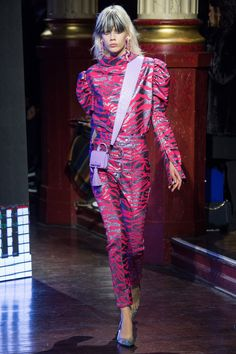 Kenzo Fall 2016 Ready-to-Wear Fashion Show - Marjan Jonkman