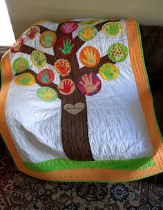 Handprint Tree Quilt: fabric paint handprints directly on quilt, or sew on after Quilt Stitching, Applique Quilts, Foster Baby, Foster Kids, Foster Family, Quilting Projects, Sewing Projects, Sewing Ideas, Family Tree Quilt