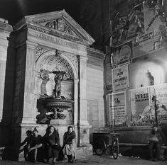 Dames de la fontaine, 1935 © Roger Schall, - L'Œil de la photographie
