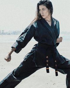 The Basics Of Judo – Martial Arts Techniques Female Martial Artists, Martial Arts Women, Female Art, Tae Kwon Do, Karate Shotokan, Martial Arts Techniques, Martial Arts Videos, Fighting Poses, Martial Arts Workout