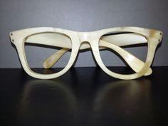 echte Büffelhornbrille handgefertigt in Madagaskar 80er Jahre