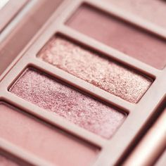 Find images and videos about makeup, eyeshadow and rose gold on We Heart It - the app to get lost in what you love. Rose Gold Aesthetic, Brown Aesthetic, Aesthetic Colors, Aesthetic Makeup, Aesthetic Pastel, Aesthetic Pics, Rose Gold Pink, Rose Gold Color, Dusty Rose