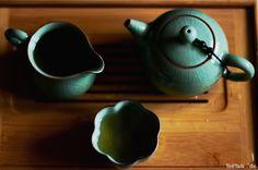 Gong Fu Cha Set, Celadon, China - Oolong Teaware Tea Live, Tee Set, Pu Erh Tea, Oolong Tea, Flower Tea, Chinese Tea, Ceramic Teapots, China, Photo On Wood