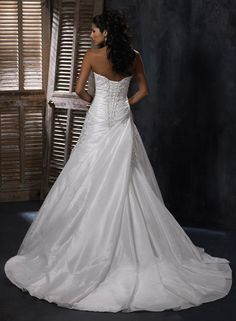 Sylvia - by Maggie Sottero