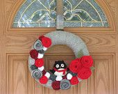 Happy Penguin Holiday Wreath- Holiday Decor--Winter Wreath--Christmas Wreath-Winter Decoration- - Felt Flower Pearl Grey Yarn Wreath