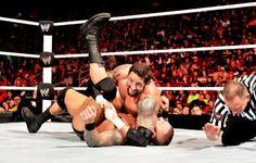 Raw 1/14/13: Randy Orton vs. Wade Barrett