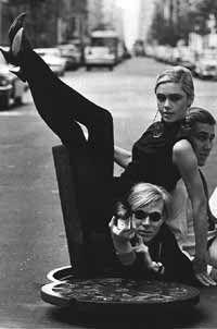 """Vásquez Rocca, Adolfo, """"Andy Warhol; 'Mi Filosofía de A A LA B Y DE B A LA A'"""", En MARGEN CERO, Madrid,  Nº 36 - noviembre de 2007 - Margen Cero © , España, ISSN 1695-4807  http://www.margencero.com/articulos/articulos_taber/andy_warhol.html"""
