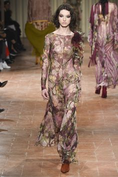 Alberta Ferretti Fall 2017 Ready-to-Wear Collection Photos - Vogue