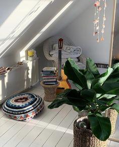 Bedroom Inspo, Bedroom Decor, Woman Cave, Cute House, Bedroom Green, Aesthetic Bedroom, Bedroom Styles, House Rooms, New Room